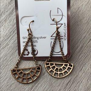 Brand new never been worn gold earrings!